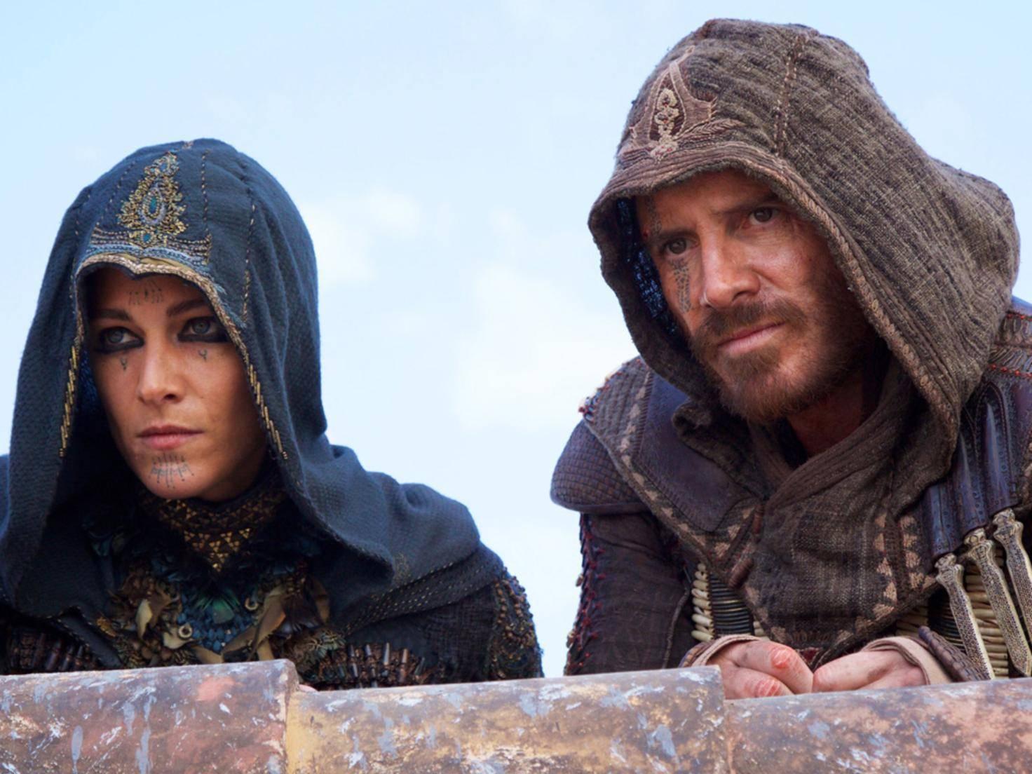 """Michael Fassbender und Ariane Labed haben in """"Assassin's Creed"""" offenbar eine ganz besondere Beziehung."""