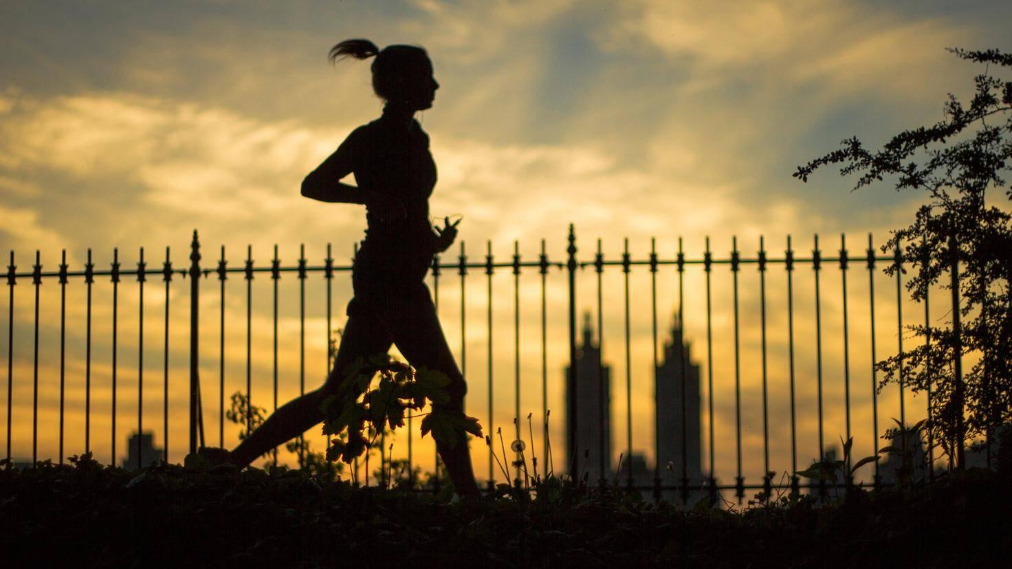 Wer kurz vorm Schlafengehen Sport treibt, kommt nicht zur Ruhe.