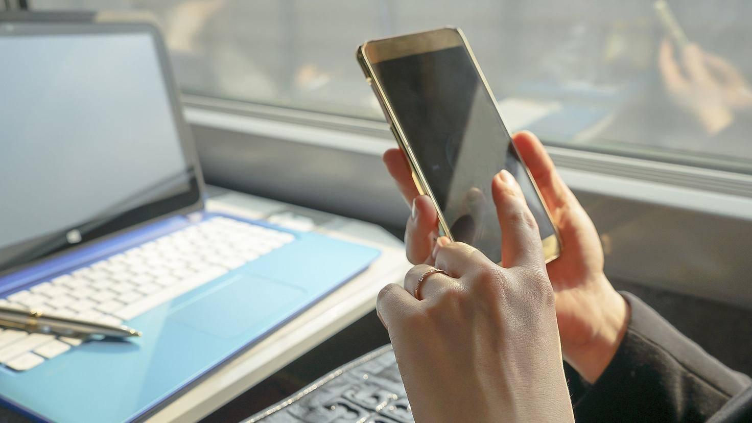 Man sollte nicht immer das Smartphone griffbereit haben.