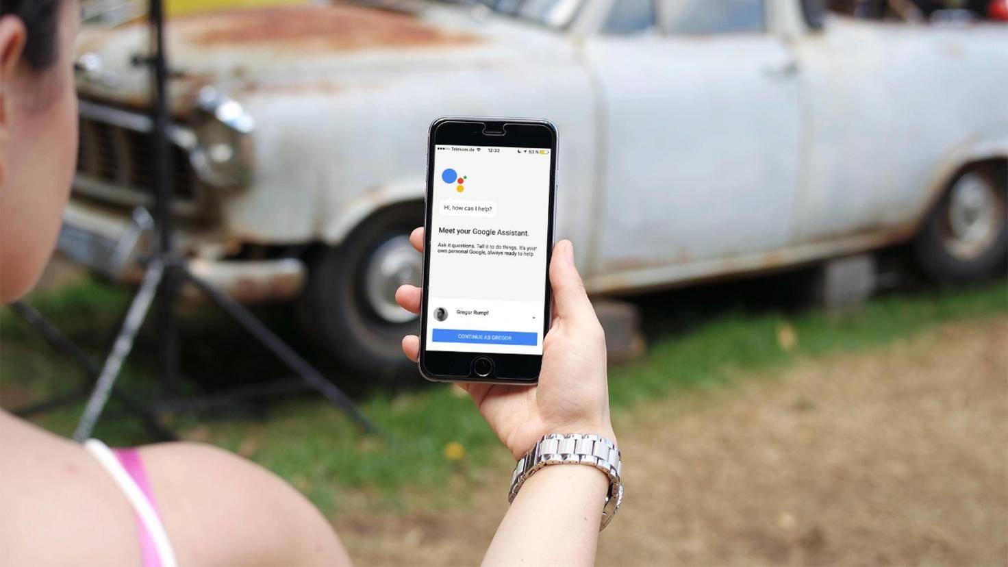 Derzeit versteht der Google Assistant auf dem iPhone nur englische Spracheingaben.