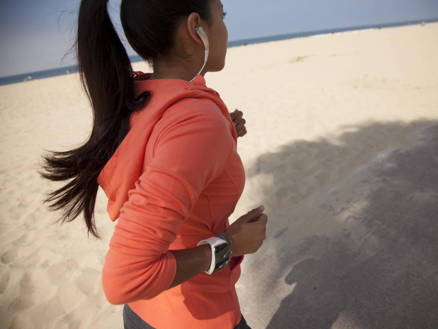 Smartwatches wie die Samsung Gear S sind praktisch beim Joggen.
