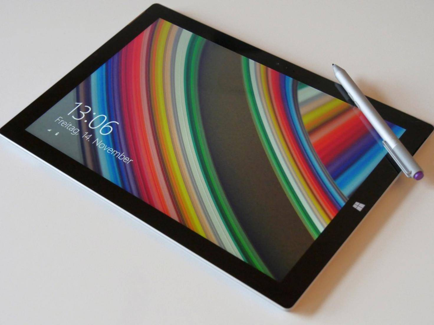Surface Pro 3 liegend