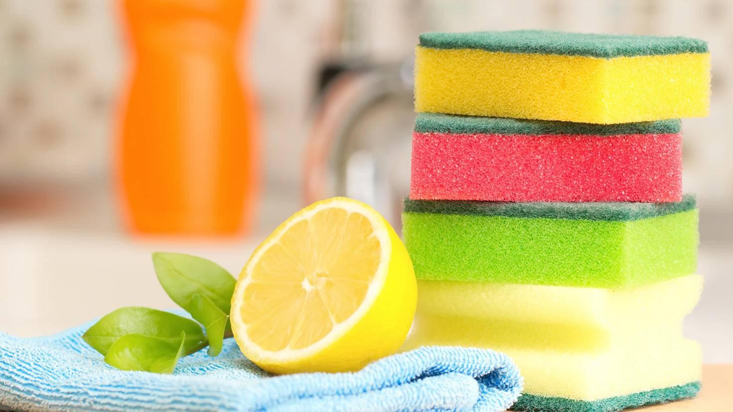 Zitrone-Putzen-Hausmittel-lisa870-AdobeStock_82566148