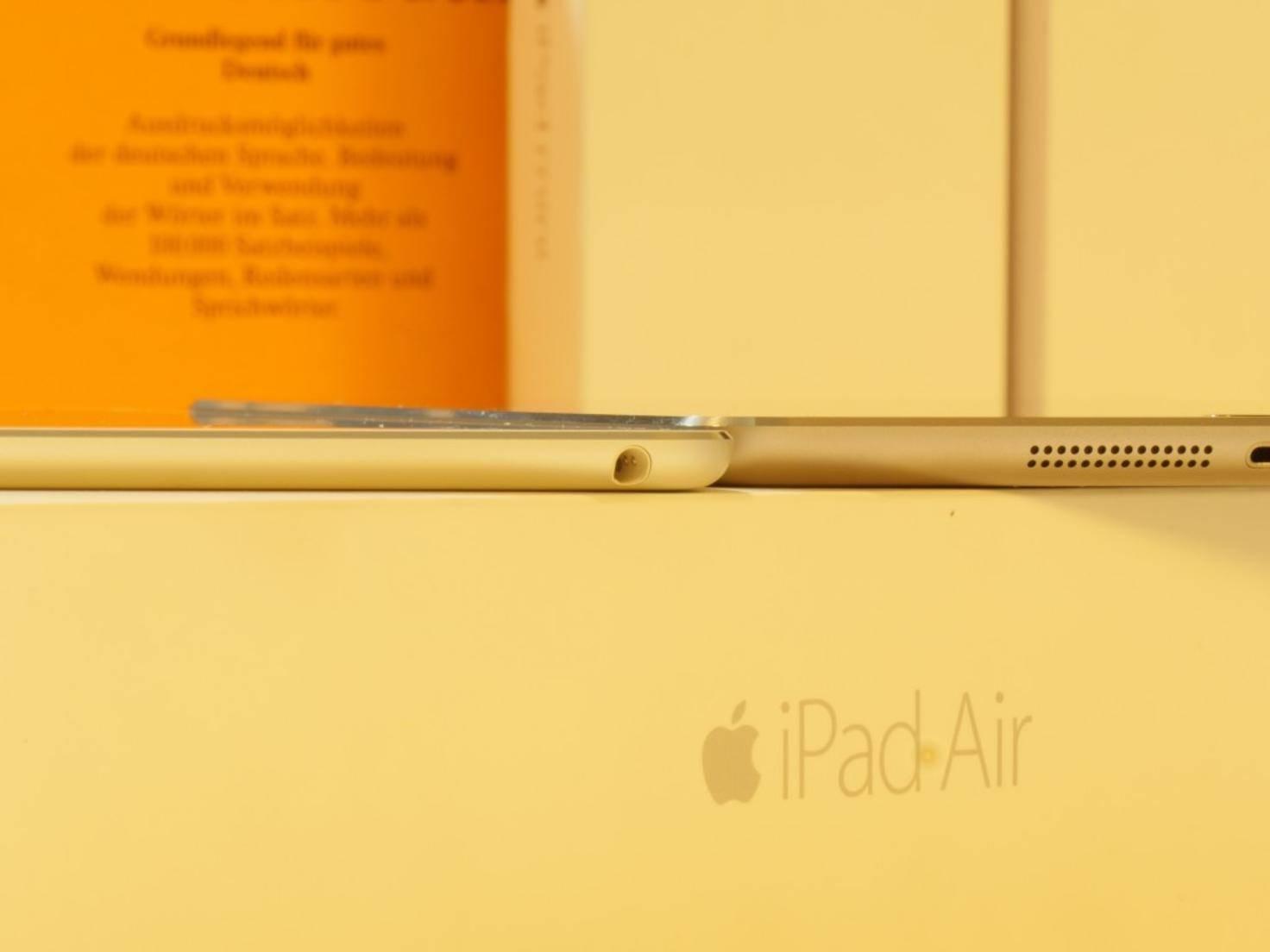 Im Vergleich zum iPad Air 2 ist der Tablet-Winzling merklich dicker.