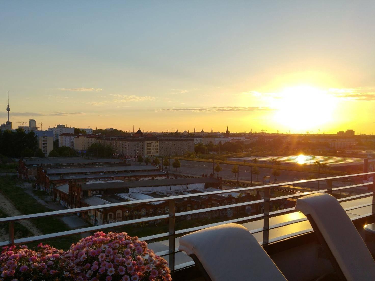 Das Berliner Stadtpanorama in der Abendsonne.