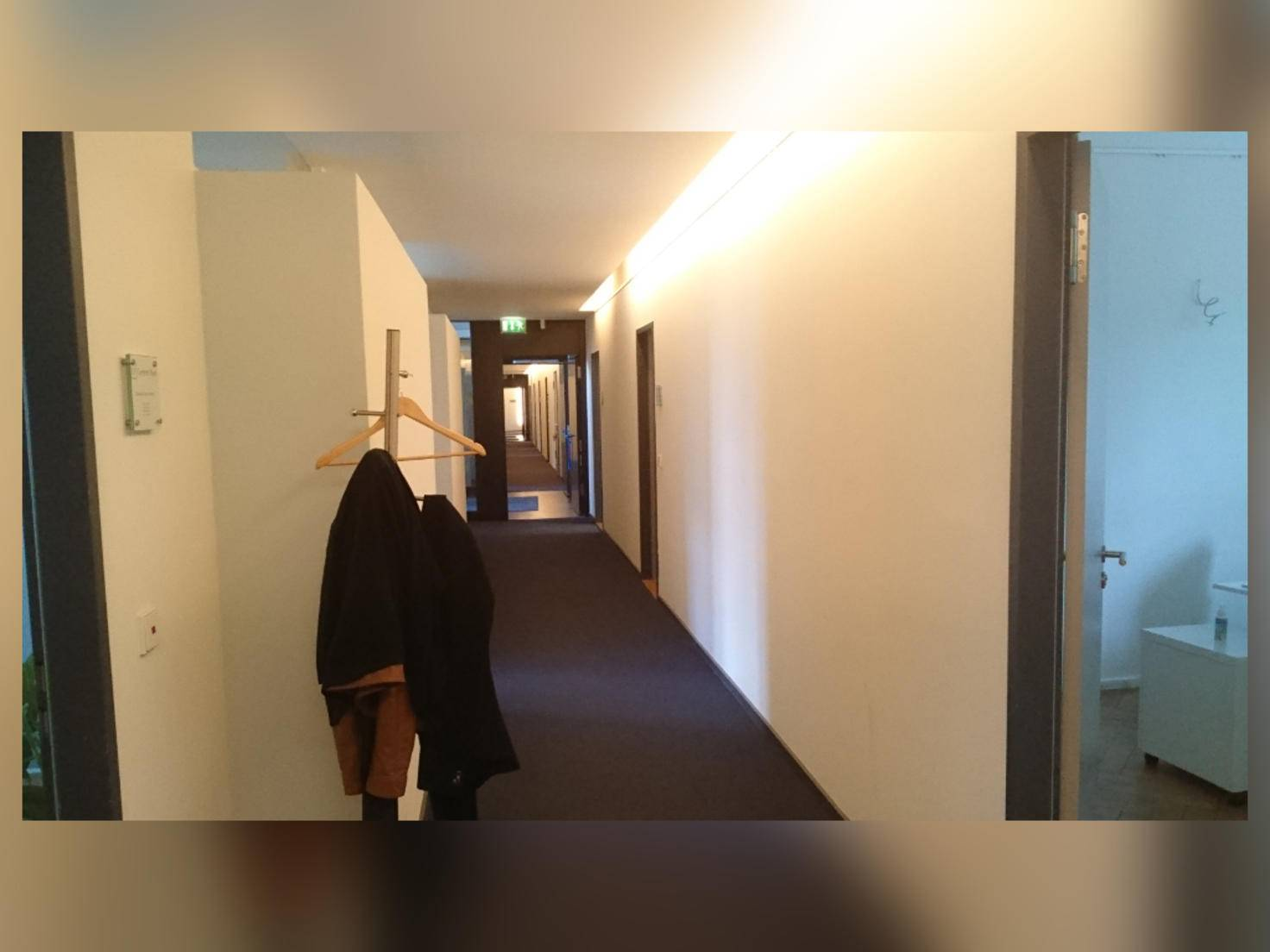 Fotos in Innenräumen leiden unter dem fehlenden LED-Blitz.