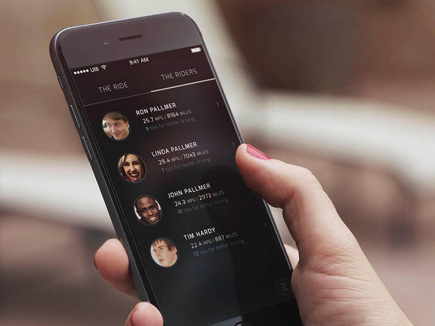 Exploride lässt sich optimal mit dem Smartphone vernetzen.