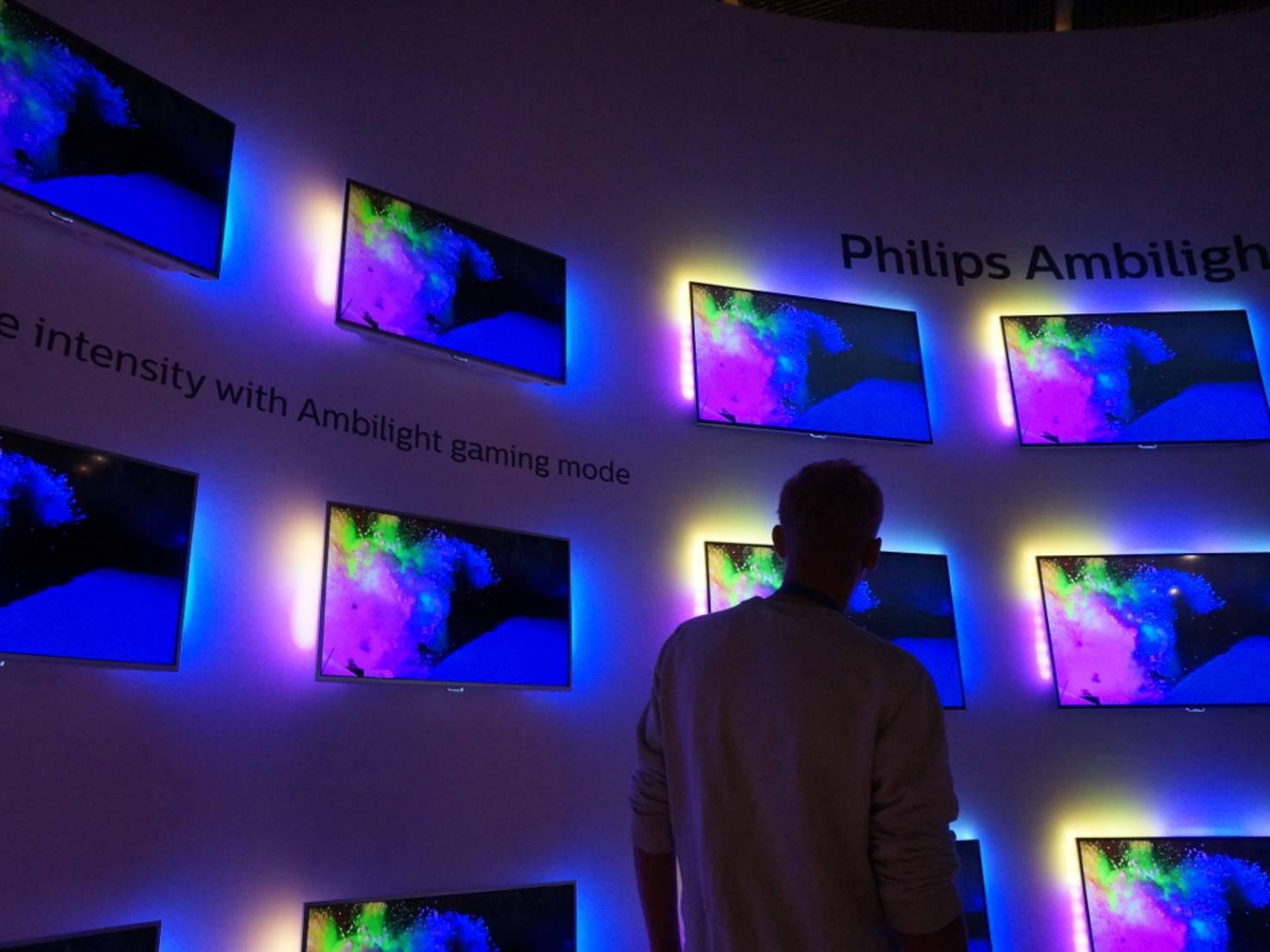 Immer wieder schön: Ambilight bei Philips.