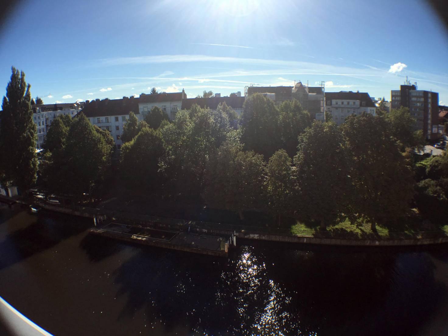 Weitwinkelaufnahme der Walimex. Aufgenommen mit dem iPhone 6s.