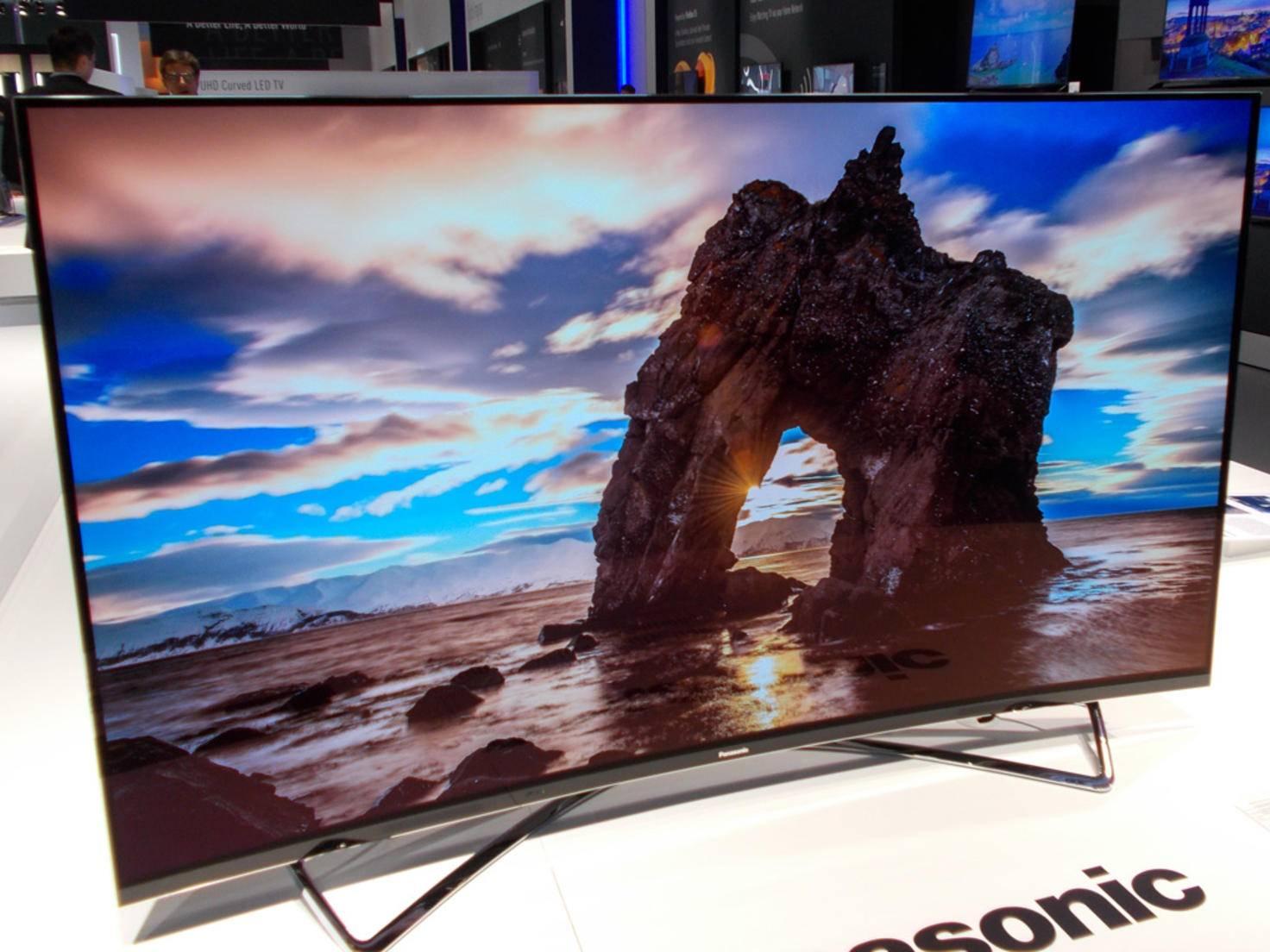 Der OLED-Fernseher von Panasonic überzeugt mit brillanten Bildern.