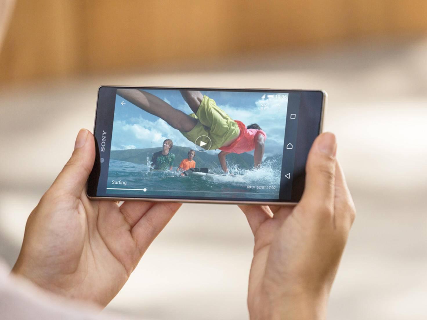 Das Xperia Z5 Premium hat ein 4K-Display und 5,5 Zoll Bildschirmdiagonale.