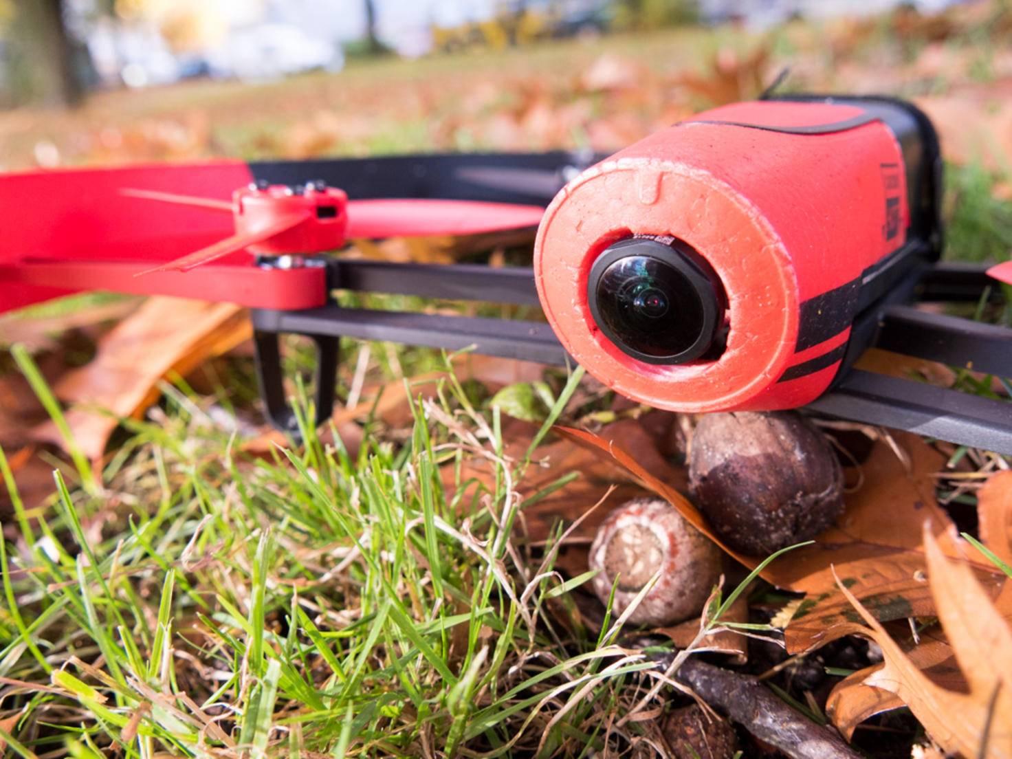 Die Kamera der Drohne filmt Videos in Full HD.
