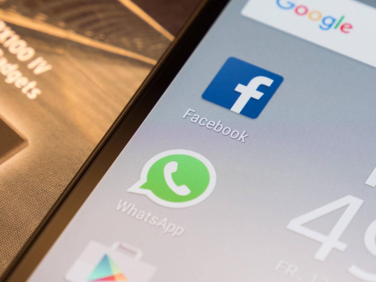 Facebook, WhatsApp