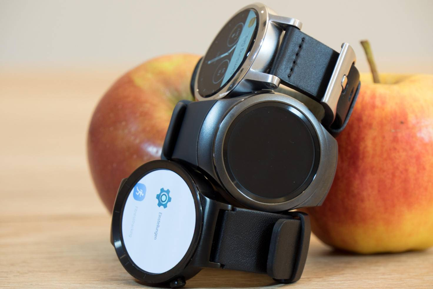 Die höchste Pixeldichte bietet Samsung mit der Gear S2, gefolgt von der Huawei Watch.