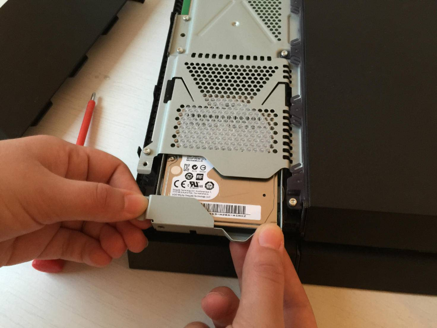 PS4 Festplatte austauschen