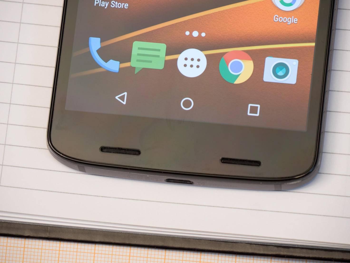Das Display wirkt unauffällig, ist jedoch das Highlight des Smartphones.