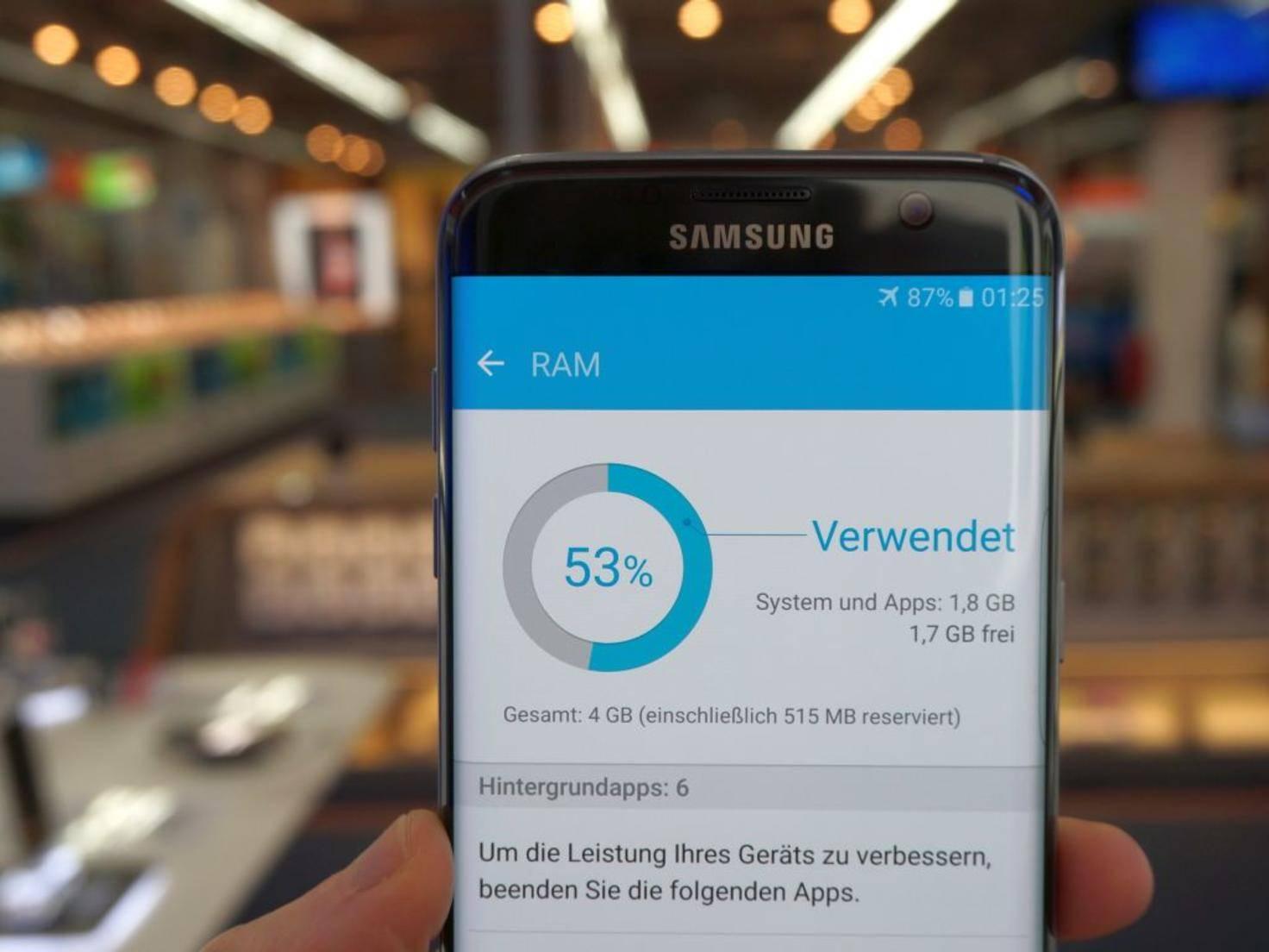 Im Galaxy S7 Edge stecken 4 GB RAM.