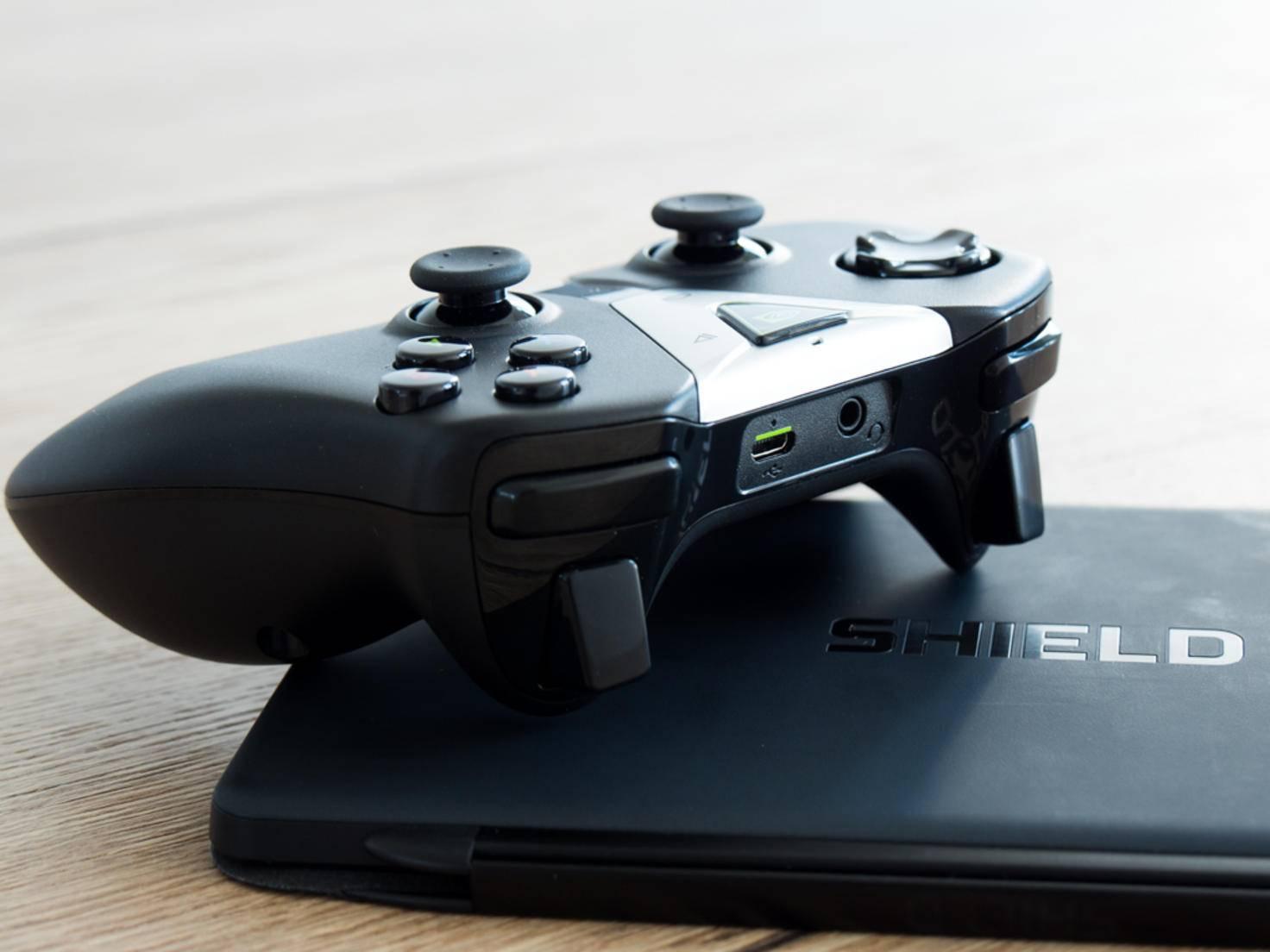 Das Pad orientiert sich am Xbox 360-Controller für den PC.