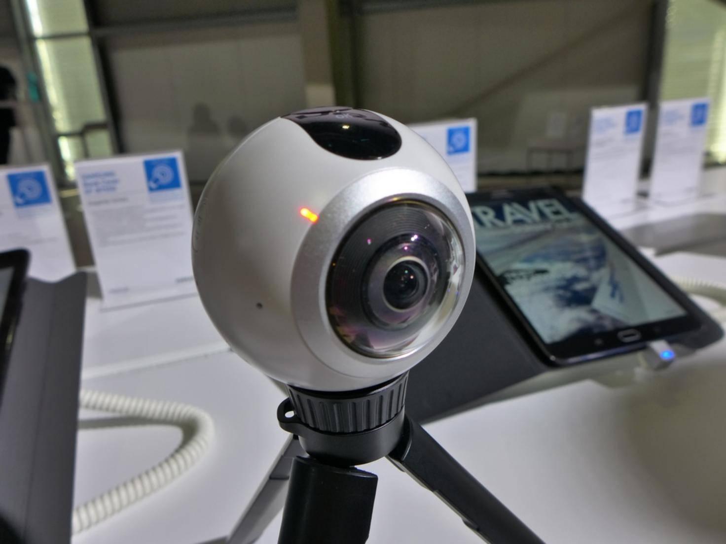 Die Gear 360 soll den nutzergenerierten Content liefern.