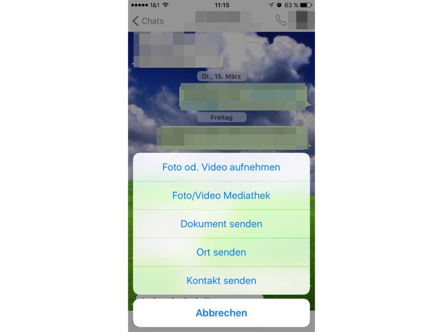 Erst Share-Button in WhatsApp anklicken, dann Dokument senden.