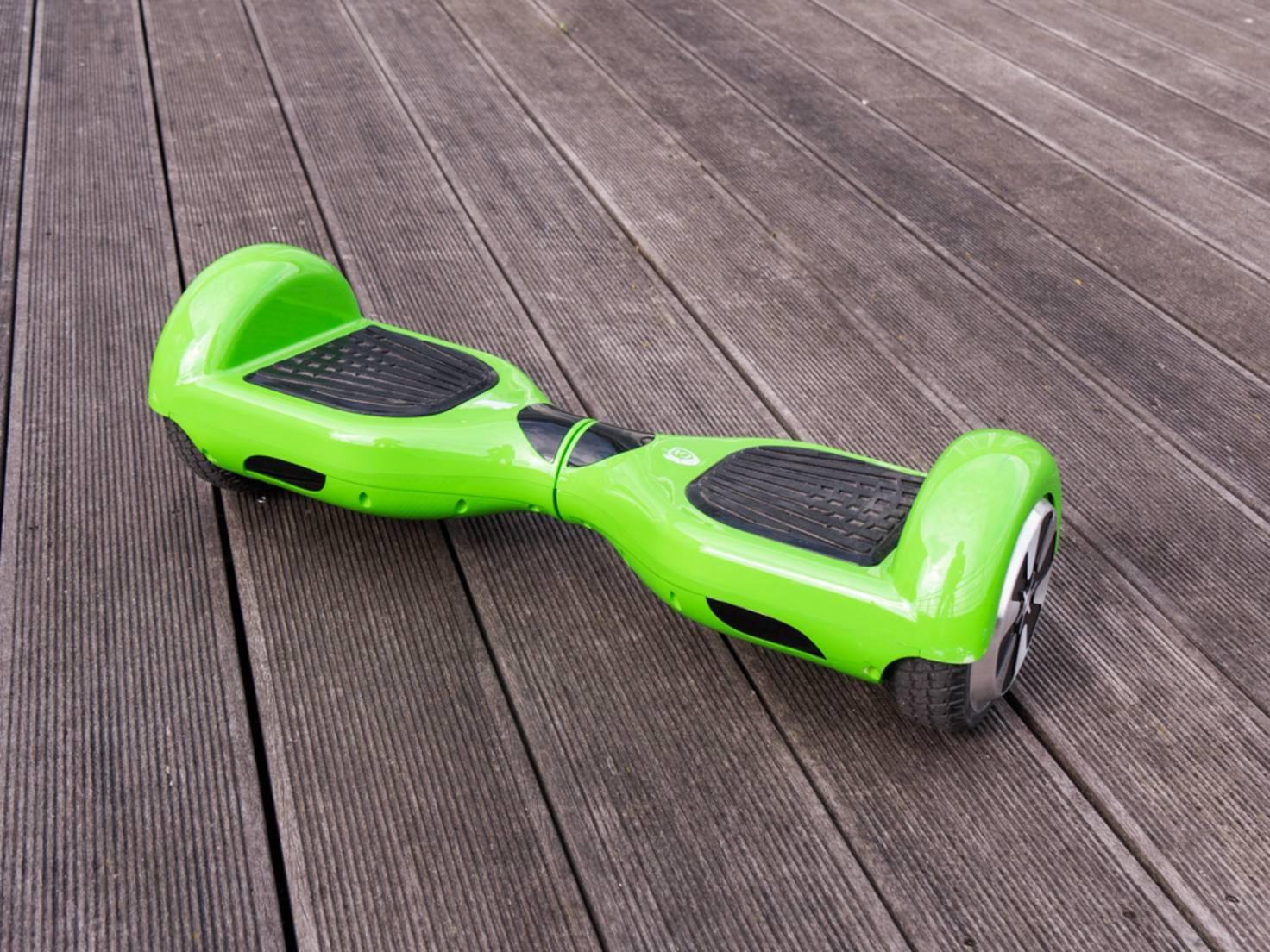 Das Hoverboard bringt es auf ein stolzes Gewicht von 11,5 Kilogramm.