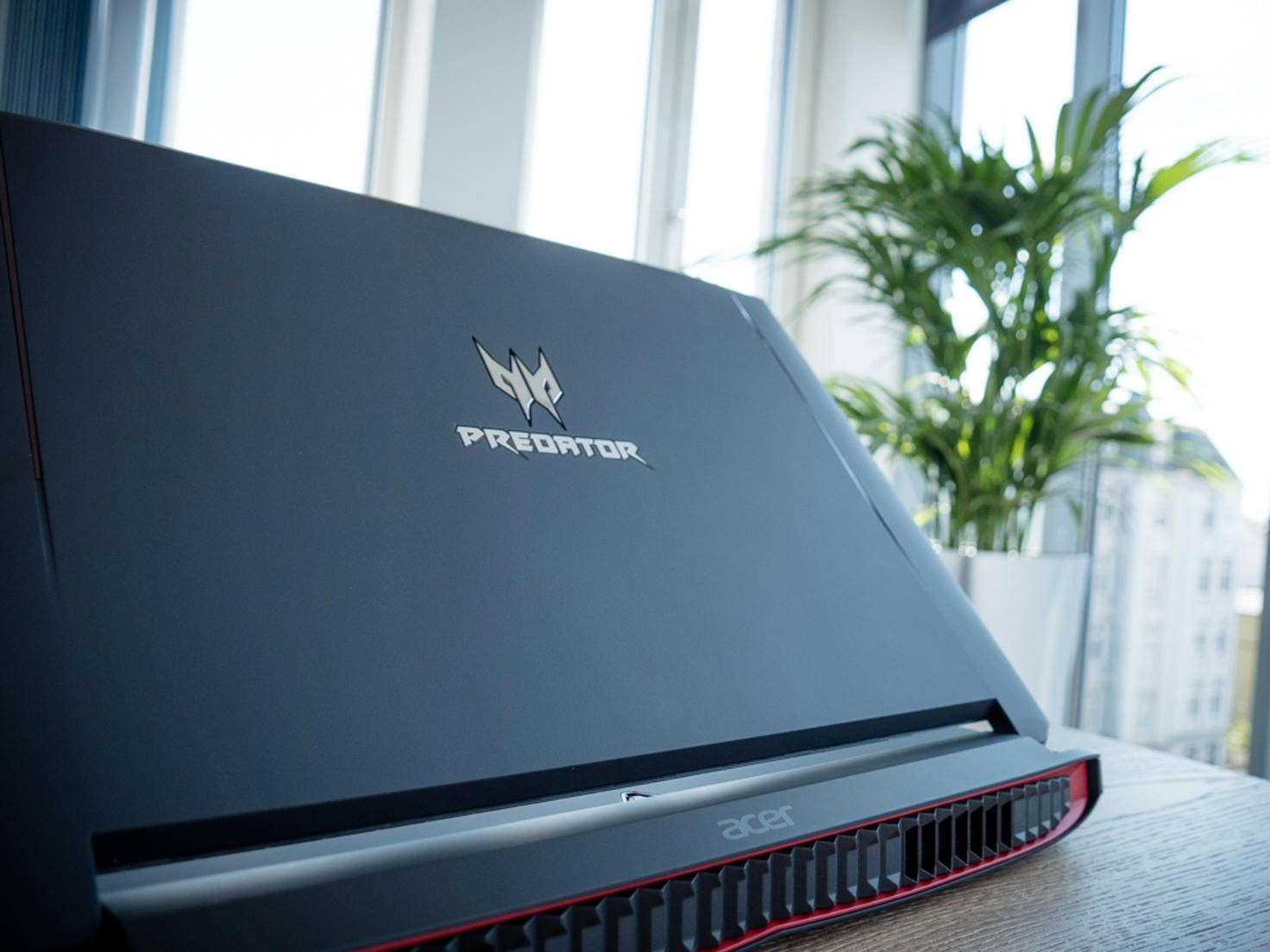 Der Predator setzt auf marialisches Design.