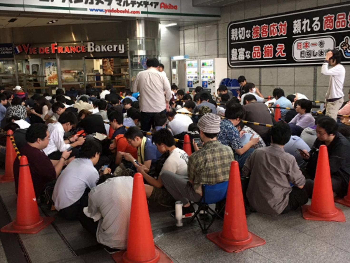 Dieses Geschäft in Ikebukuro hatte nur 280 VR-Systeme zur Vorbestellung.