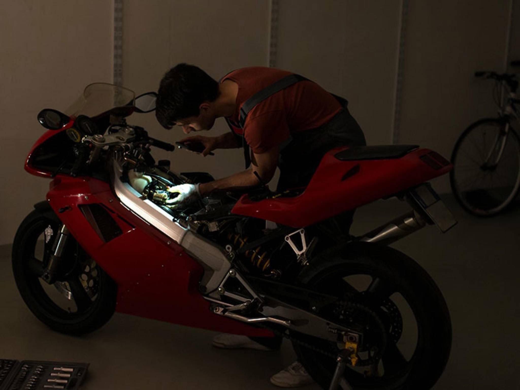 ...sondern auch für das Rumschrauben am Motorrad...