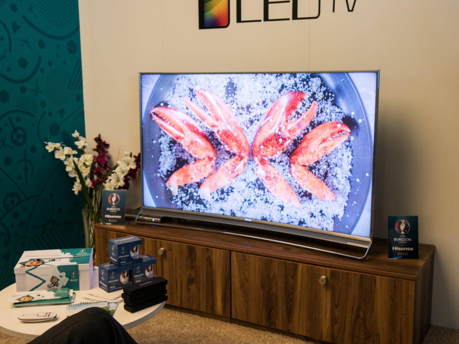 Auch die Chinesen von Hisense wollen mit den neuesten Technologien punkten.