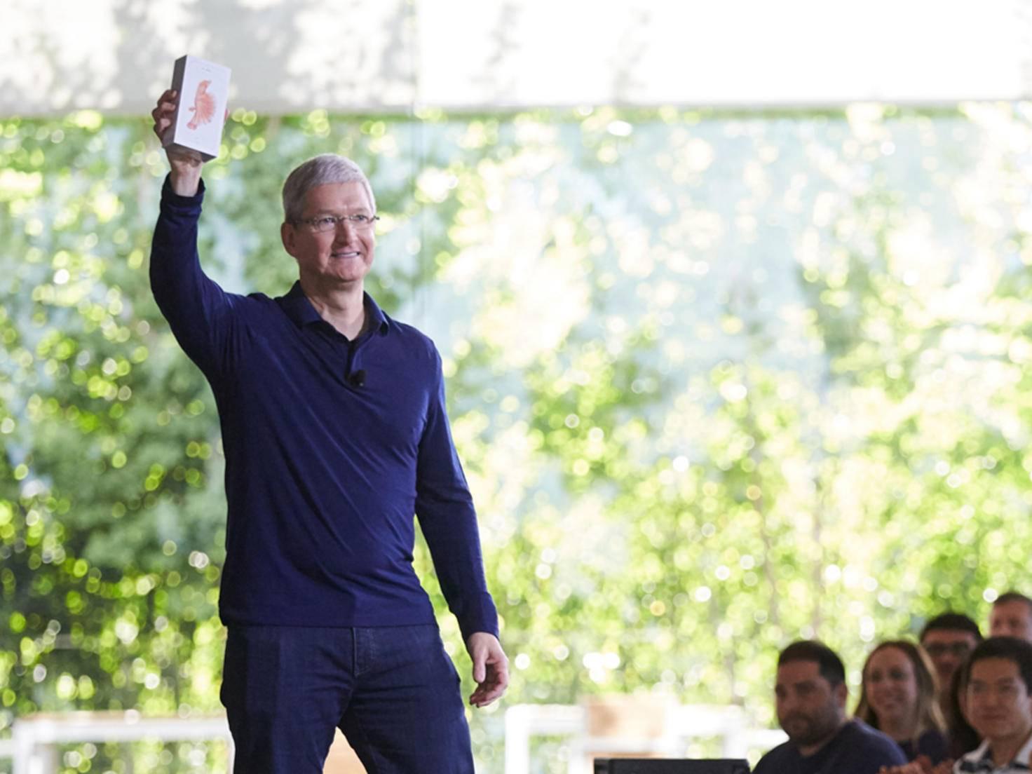iPhone Tim Cook