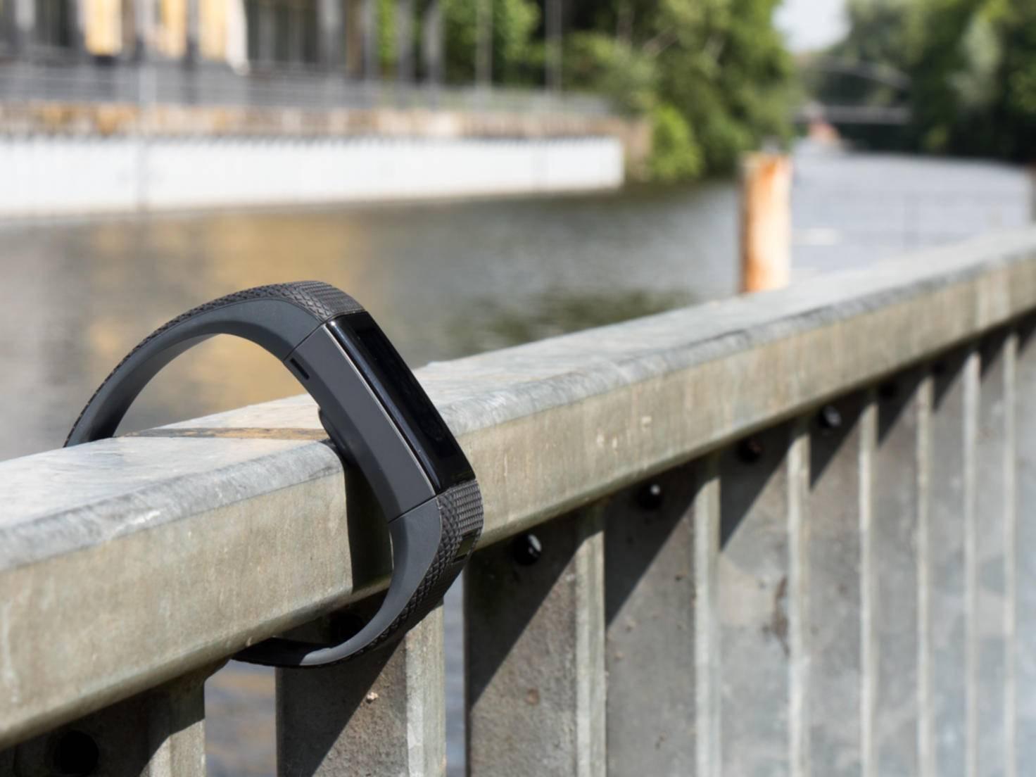 Fitnesstracker sind praktisch, aber manchmal bauen sie beim Laufen unnötig viel Druck auf.