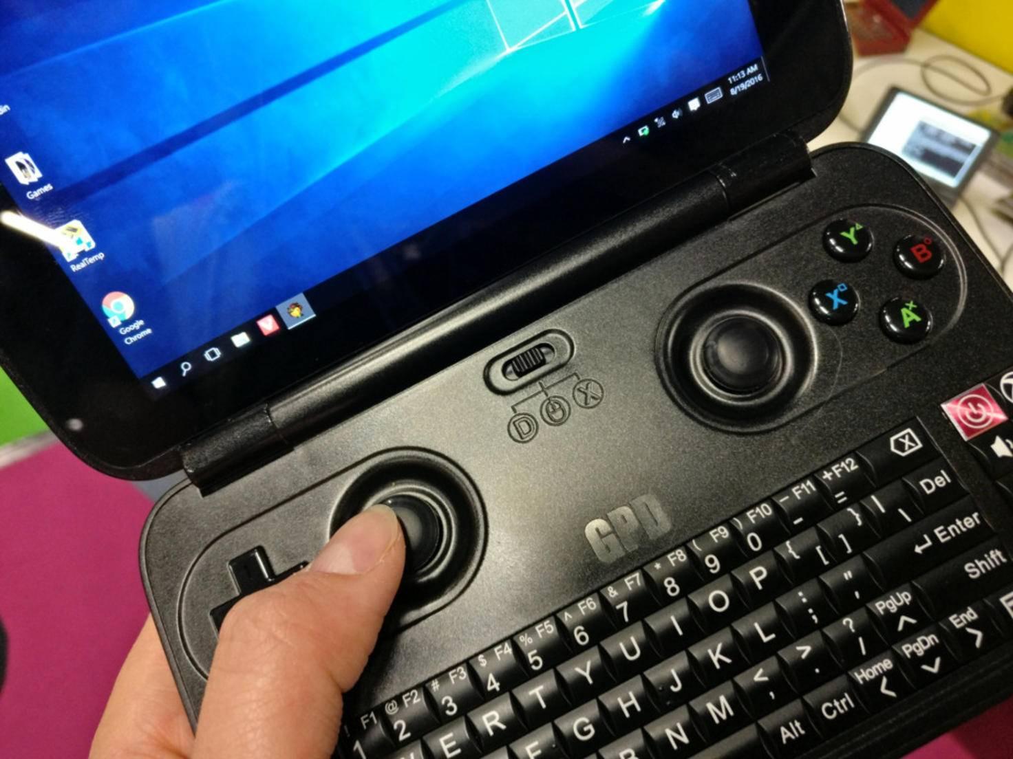 Der GPD Win kommt mit einer komplette Tastatur.