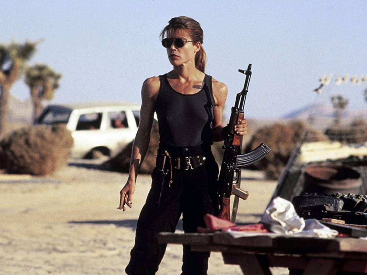 Sarah Connor nimmt es locker mit Cyborgs auf.
