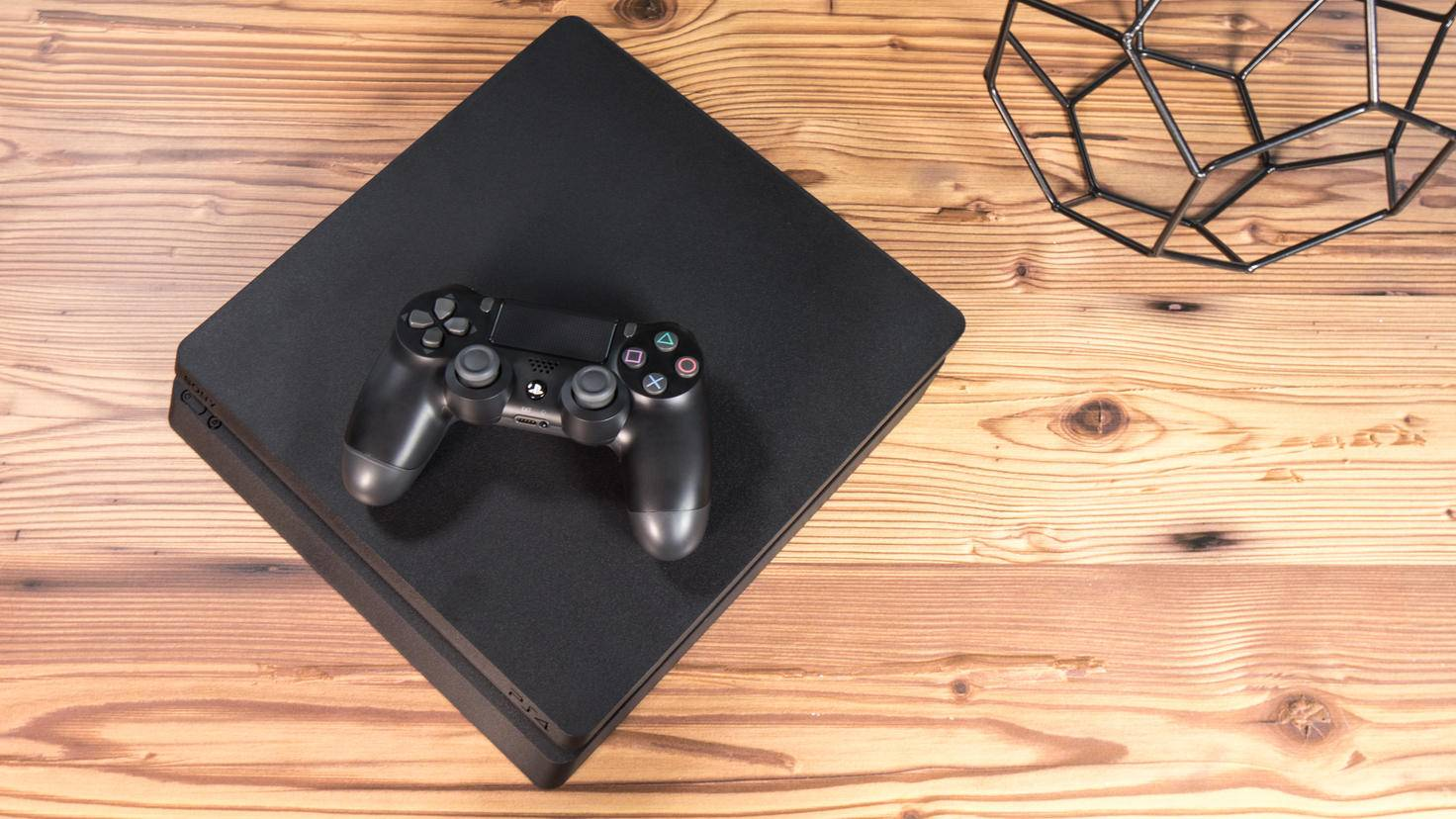 """Die PS4 hat schon viel gesehen – da wird sie auch """"kurzer006rock"""" überleben."""