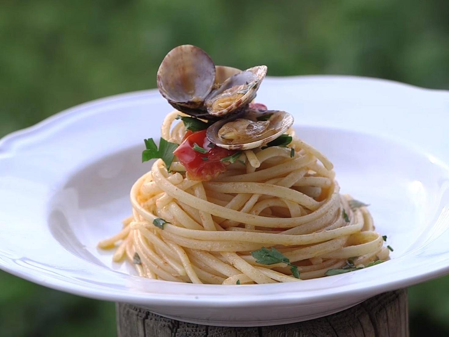 YouTube_vincenzosplate_Vongole_Pasta.jpg