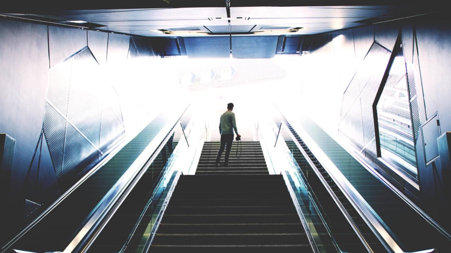 Wer braucht schon Rolltreppen? Klassisches Stufensteigen ist viel gesünder.