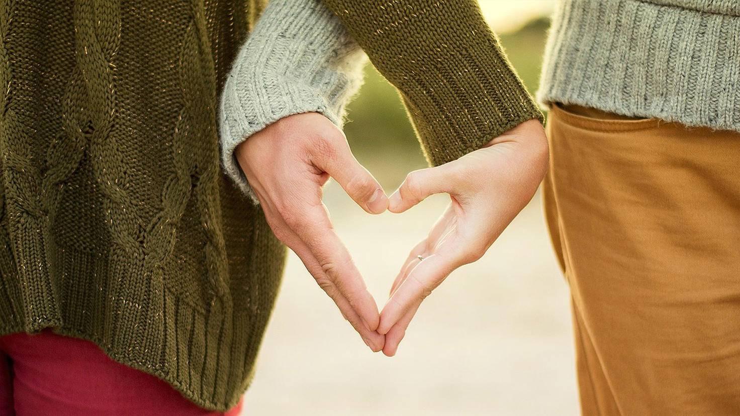 Freunde, Familie und andere soziale Kontakte fangen uns in Stresssituationen auf und sind essenziell für unsere Gesundheit.