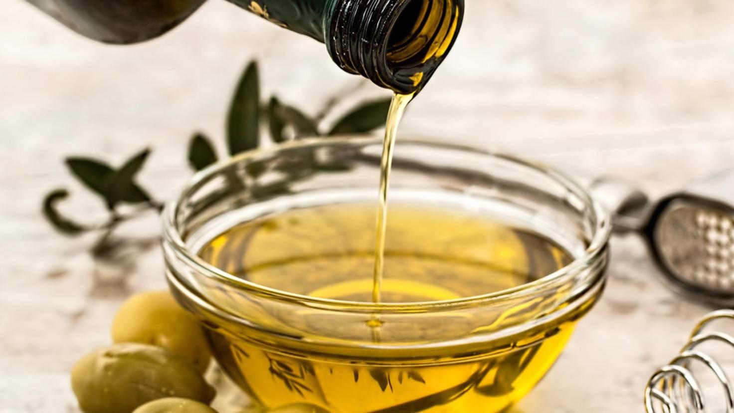 Olivenöl wird bei Kälte hart und ist dann nicht zu gebrauchen.