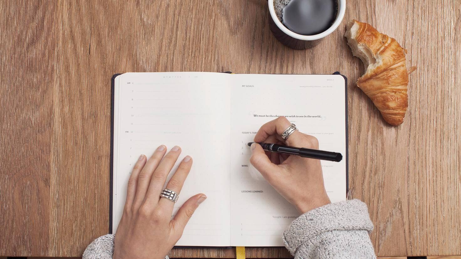 Ein Tagebuch lässt Dich aufmerksamer durchs Leben gehen.