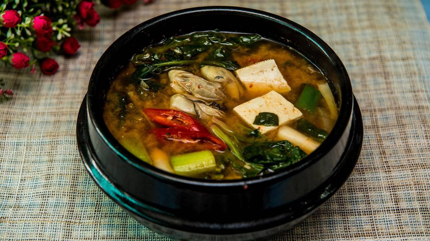Miso-Suppe ist nur dem Anschein nach vegan.