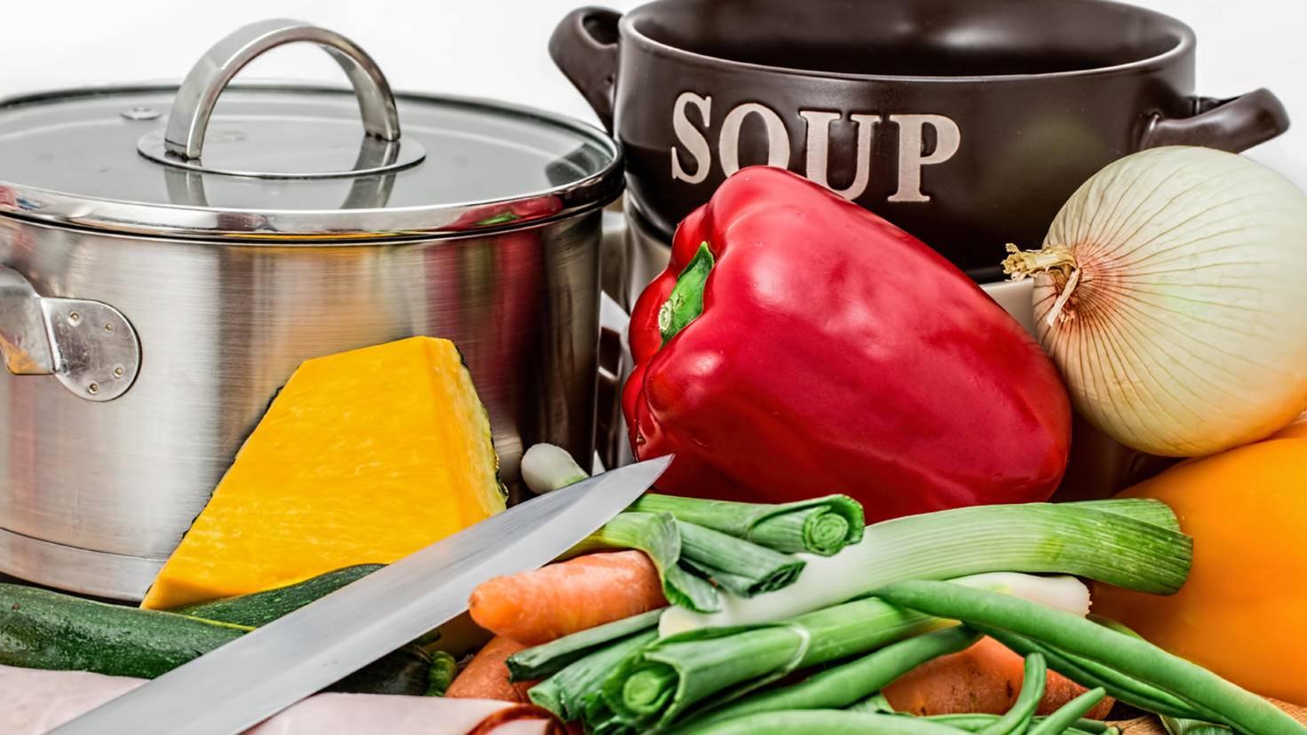 Suppen und Eintöpfe sind immer eine gute Verwertungsmöglichkeit für Essensreste.