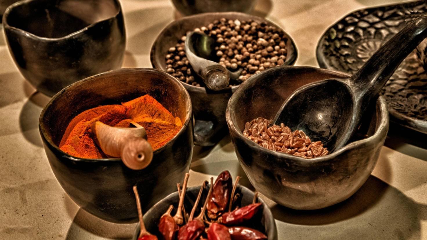 Gewürze geben dem Reis schon beim Kochen eine spannende Note.