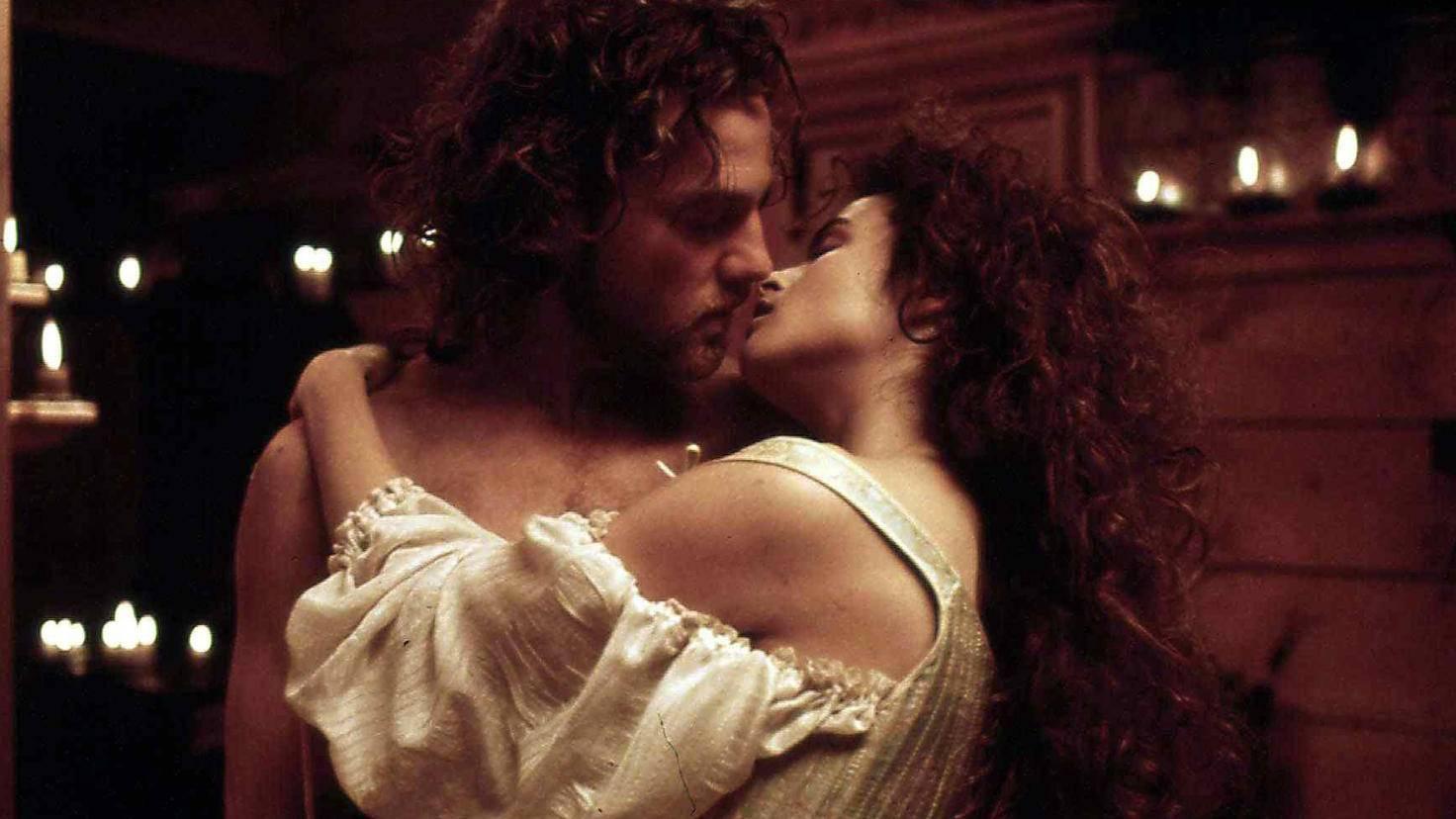 Im Film spielt Helena Bonham Carter Frankensteins Geliebte Elizabeth.