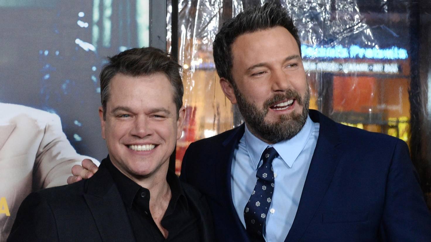"""Ben Affleck (r.) ging 2003 mit """"Daredevil"""" baden. Kumpel Matt Damon (l.) hatte die Rolle zuvor abgelehnt."""