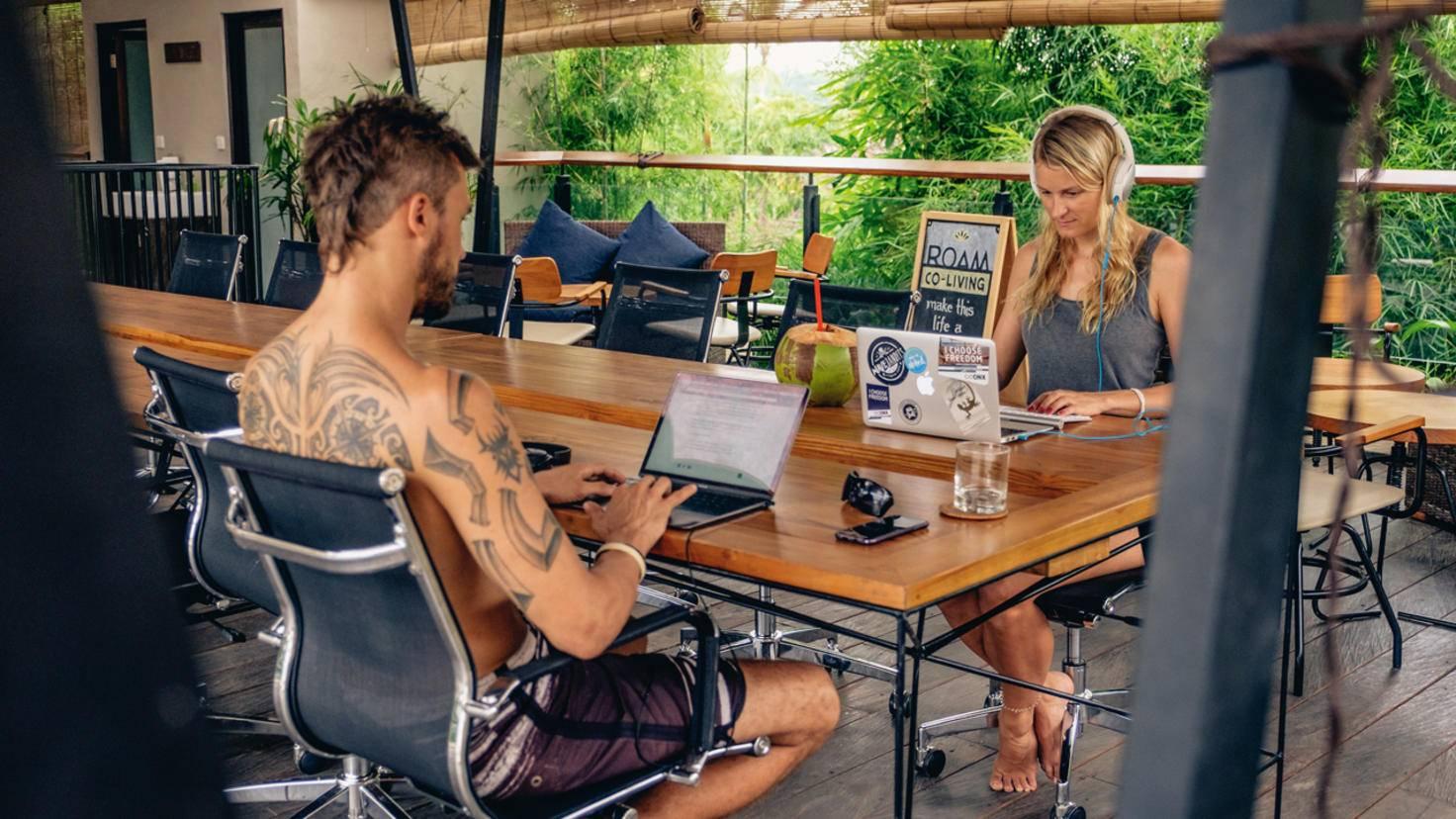 Stuhl statt Hängematte: Auf Bali hat man sich auf arbeitende Traveller bereits perfekt eingestellt.