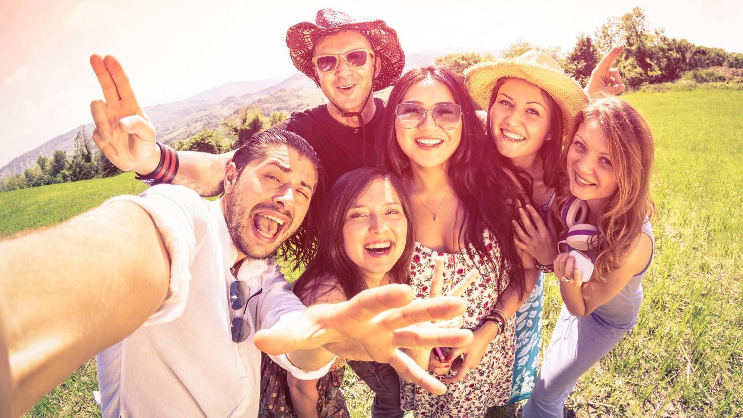 Selfie Gruppe 475950394