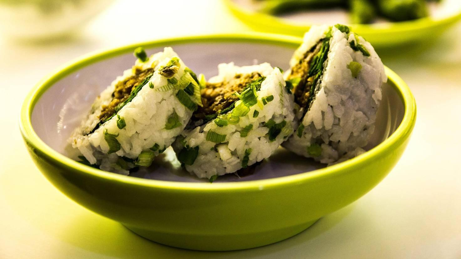 Für Sushi muss der Reis schön kleben.
