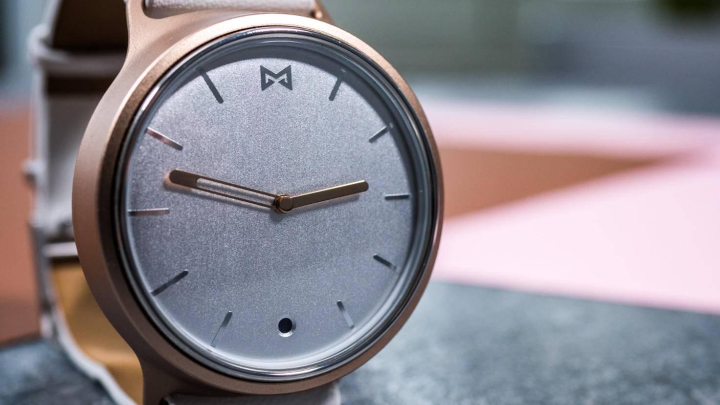 Die Misfit Phase setzt auf ein klassisches Uhrendesign.