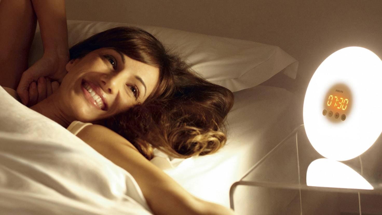 Das Wake-up-Light von Philips weckt Dich sanft aus Deinen Träumen.
