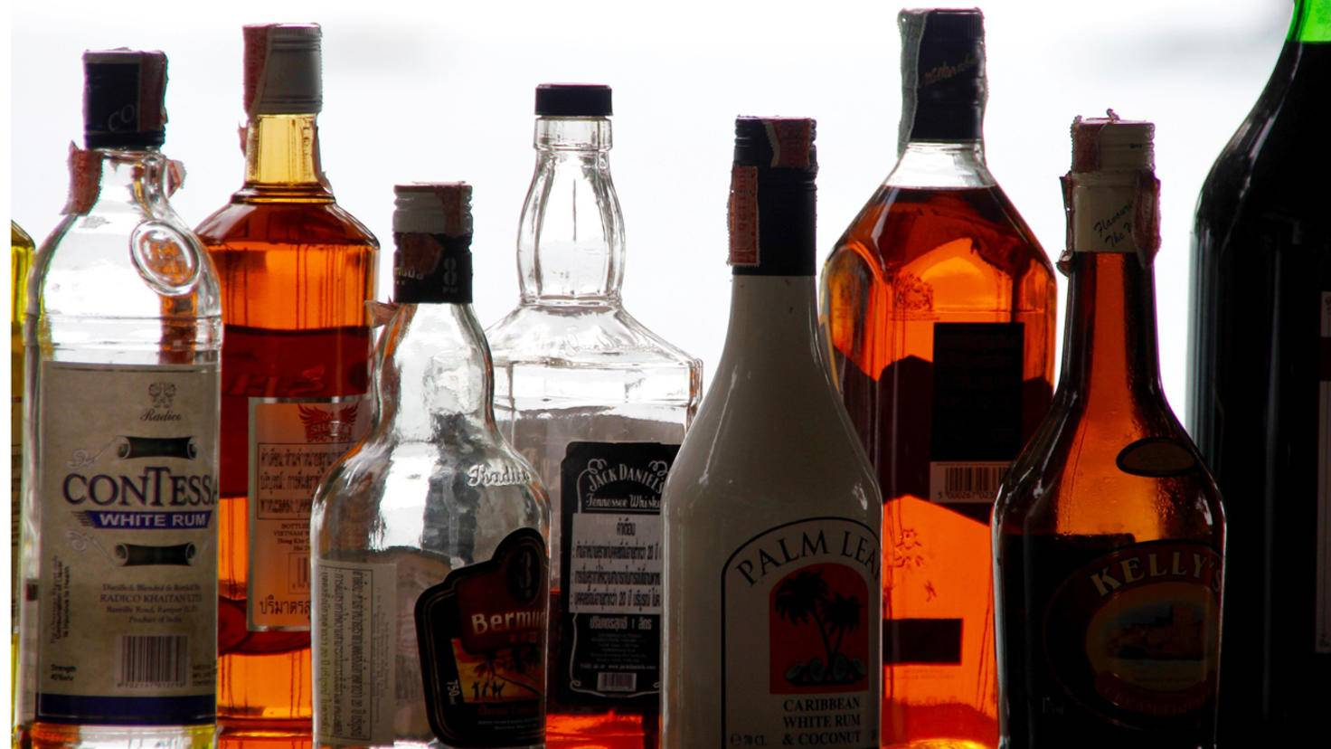 Hochprozentige Spirituosen enthalten so viel Alkohol, dass sie nicht schlecht werden können.